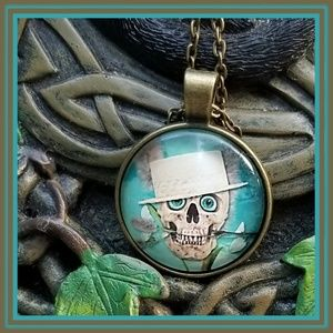 New! Skull in a hat Necklace